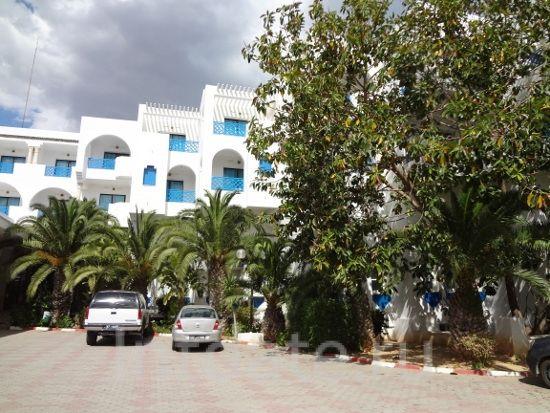 роман в тунисе